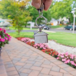5 Reasons To Sell Your Home in the Spring
