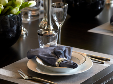Dinner plate with napkin
